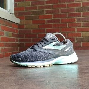 6.5 WMNS BROOKS LAUNCH 4 RUNNING SHOES